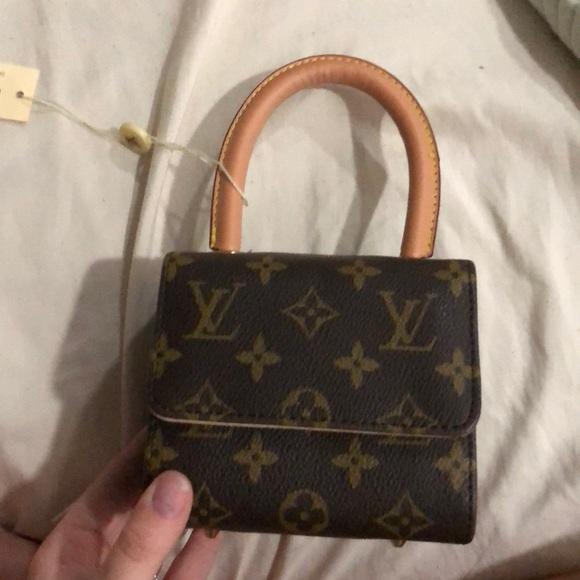 74fe3fe11be0 Small Louis Vuitton Bag